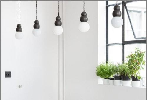 Projet de design d'un appartement dans le style d'un loft blanc