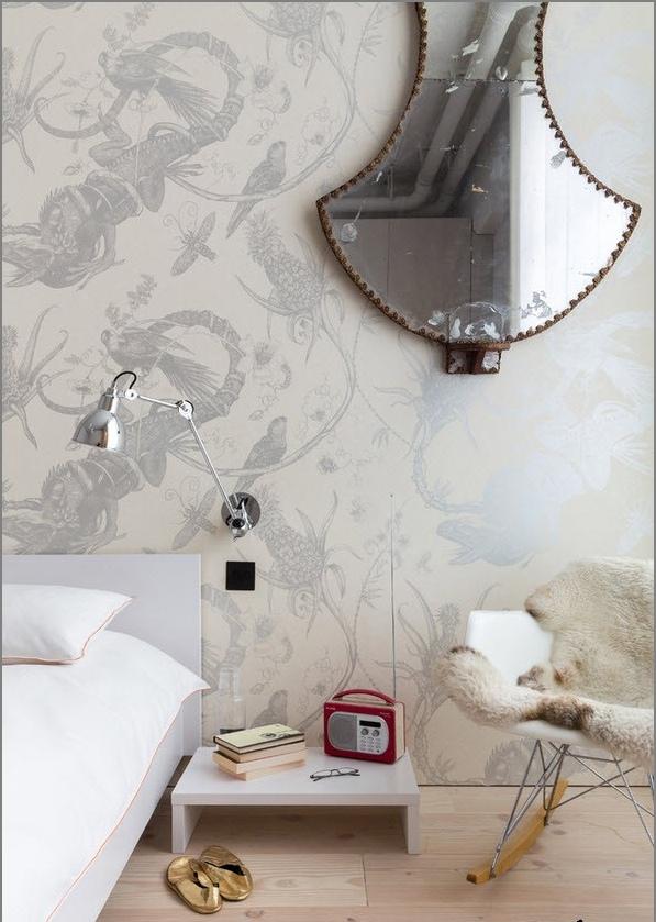 Бяла декорация за спалня в стил лофт