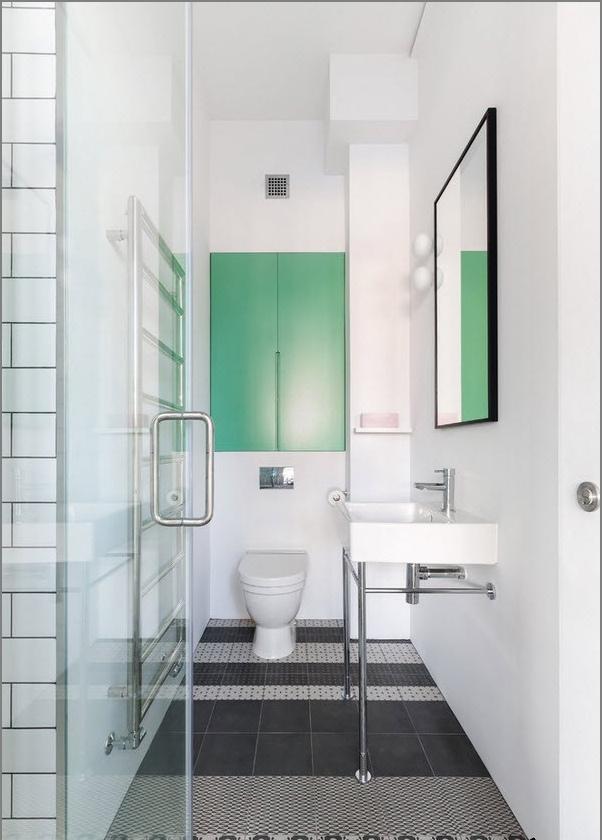 Бяла тоалетна в стил лофт