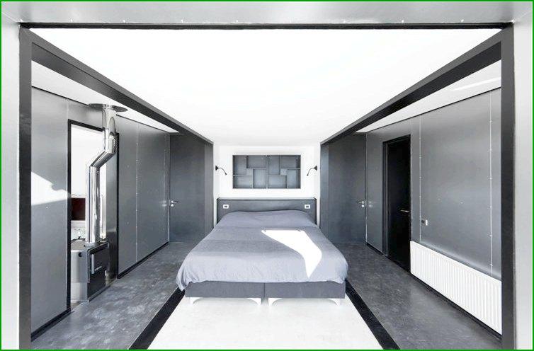 метална къща със спалня