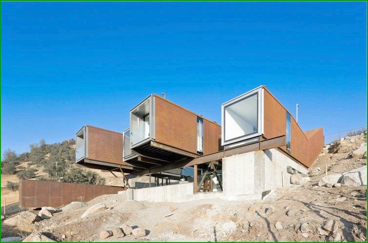 метална къща снимка 1