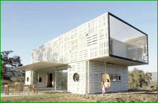 Еко къща от палети и контейнери снимка 4