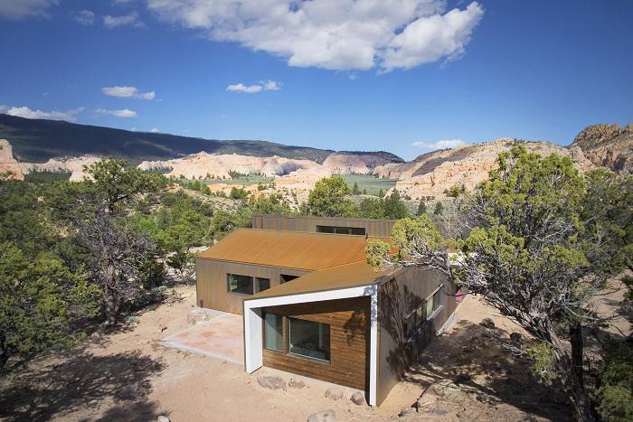 Високото пустинно жилище е проект на архитектурната компания Imbue Design.