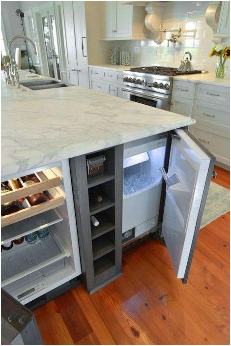 Хладилник, вграден в кухненския остров