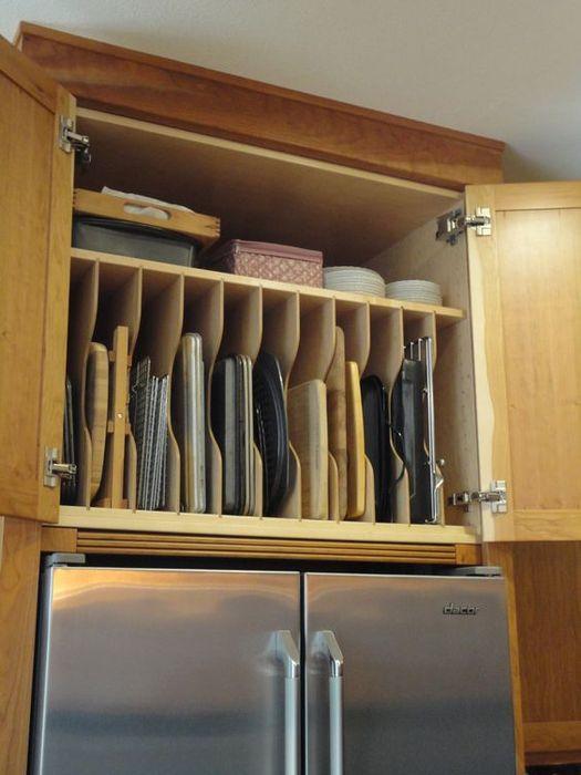 Компактен шкаф за съхранение на кухненски прибори