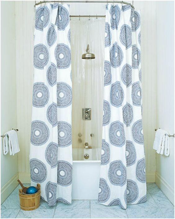 Дълга завеса за баня.