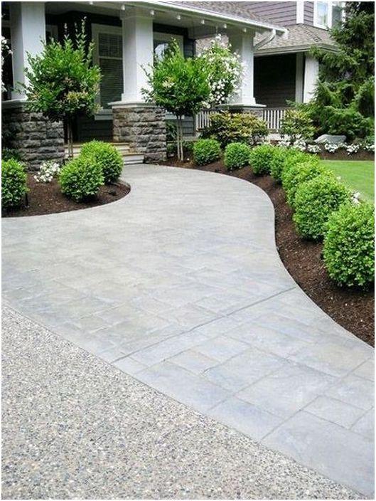 В повечето случаи голямо и открито пространство пред къщата има положителен ефект върху атмосферата около него.