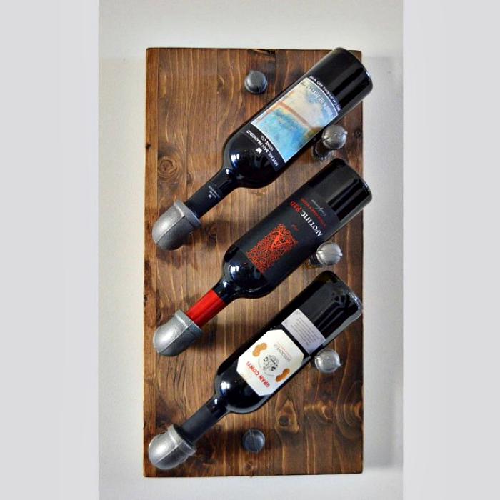 Стенен шкаф за вино