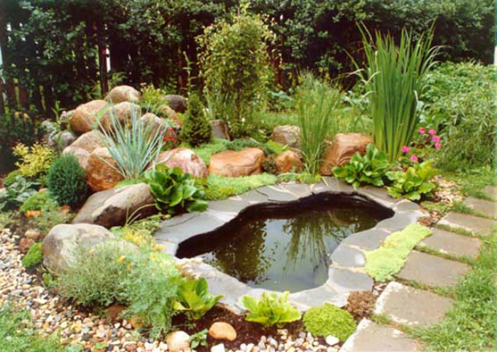 Изкуствено езерце.