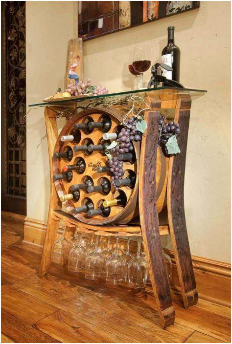 Стелаж за вино от дървена бъчва.