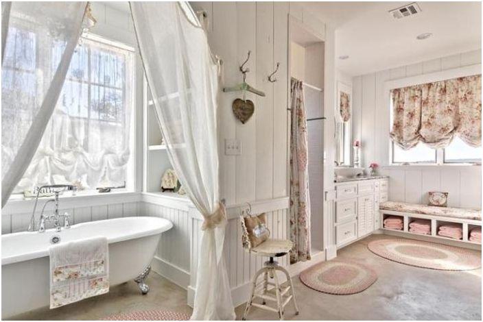 Łazienka w stylu prowansalskim.