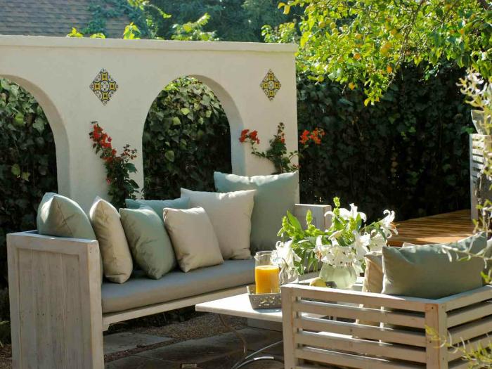 Оригиналният дизайн на задния двор.