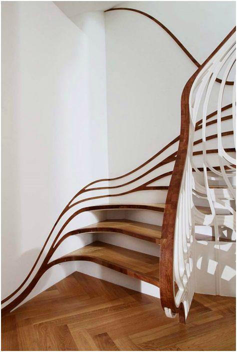 Стълбище в стил Арт Нуво.