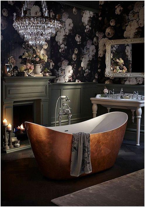 Чудесен вариант за декориране на баня със сладък тапет.