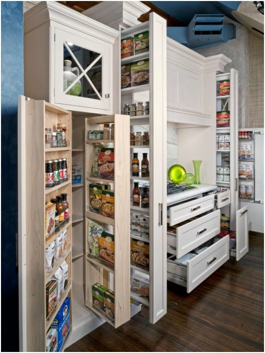Modern tárolórendszerek a konyhában.