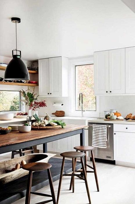 Голямо разширено и отворено пространство в кухнята ще създаде уютна атмосфера в него.