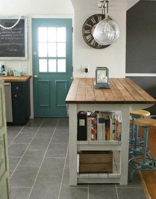 Чудесен вариант да украсите бар в собствената си кухня.