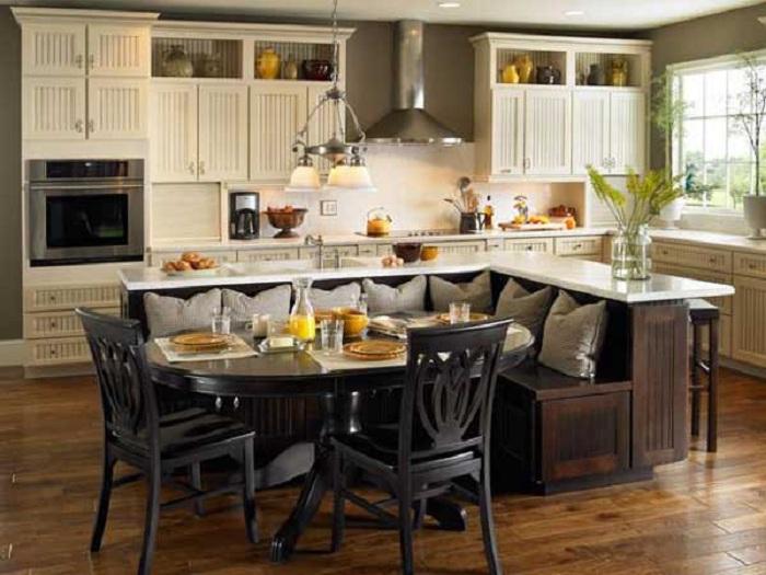 Ъгловият диван е отлично практично решение за любимата ви кухня.