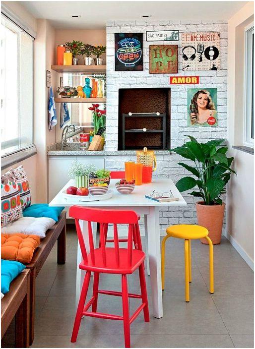 Яркие элементы в интерьере кухни.