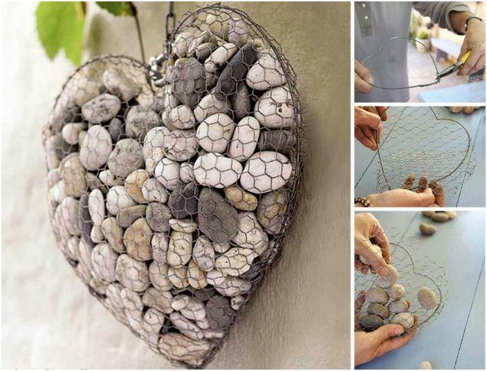 Urocza biżuteria w kształcie serca wykonana z kamieni, drutu i metalowej siatki.
