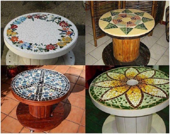 Érdekes tervezési lehetőség egy orsóasztalhoz, amelyet fényes és hihetetlen mozaikok díszítenek.