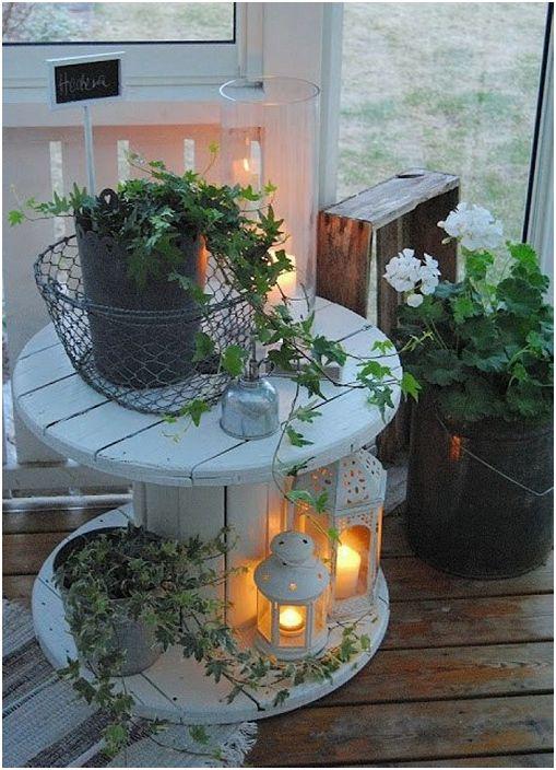 Дизайнът на макарите в скандинавски стил ще се впише идеално във всяка атмосфера на стаята.