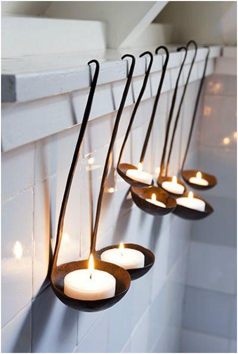 Оригинални свещници, изработени от ръждиви черпаци.