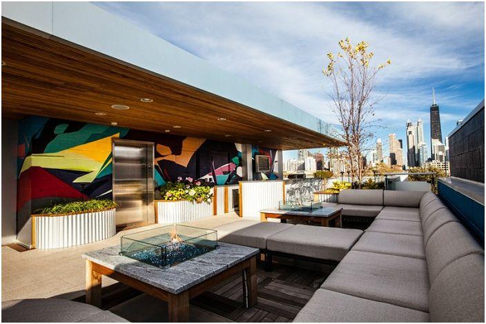 Отлично решение за поставяне на диван сред природата, ще даде възможност да се създаде уютна атмосфера сред природата.