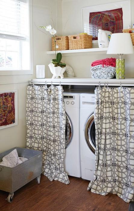 Добро и просто решение да завесите зоната си за пране със сладки завеси.