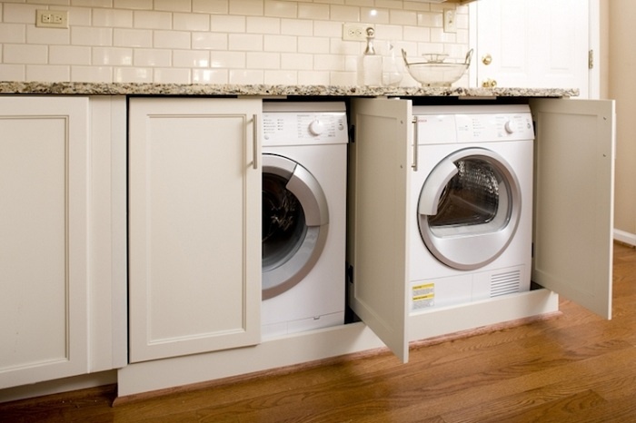 Индивидуални малки шкафове за поставяне на перални машини, ще украсят живота и ще създадат приятна атмосфера.