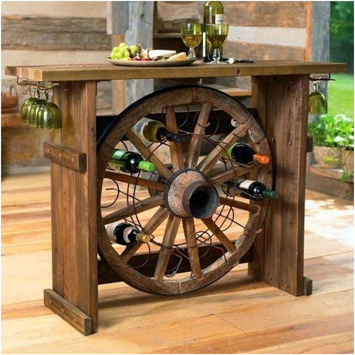 Съхранението на вино е много креативна опция за създаване на необичайна обстановка в стая.