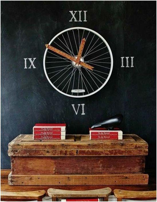 Правилно поставяне на акценти в стаята за невероятен часовник от колелото.