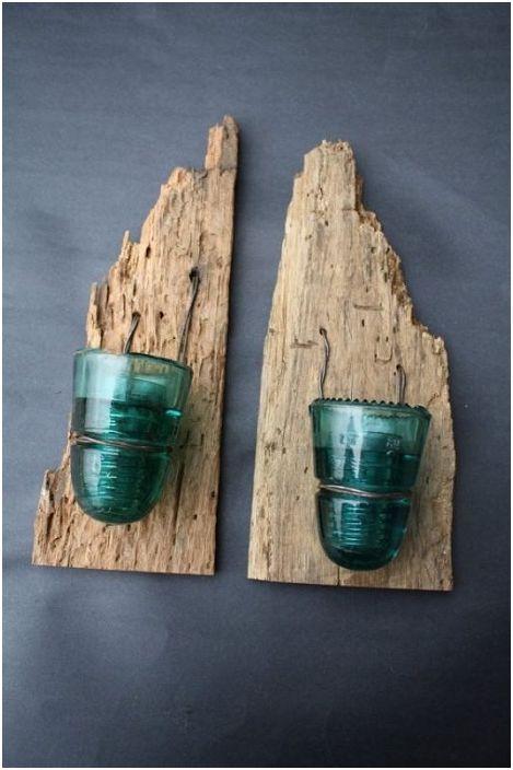 Атрактивните свещници са една от най-добрите възможности за декориране на удобни предмети от бита, изработени от стъклени изолатори.