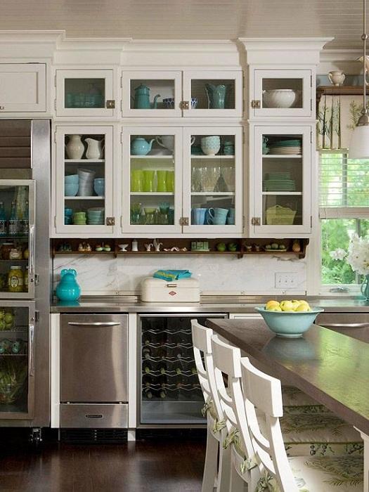 Удобные и вместительные шкафы отлично подойдут для декора любой кухни и создания в ней отличной домашней атмосферы.