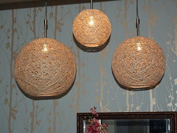 Stylowa opcja dekoracji pokoju za pomocą niezwykłych i pięknych lamp wykonanych ręcznie.