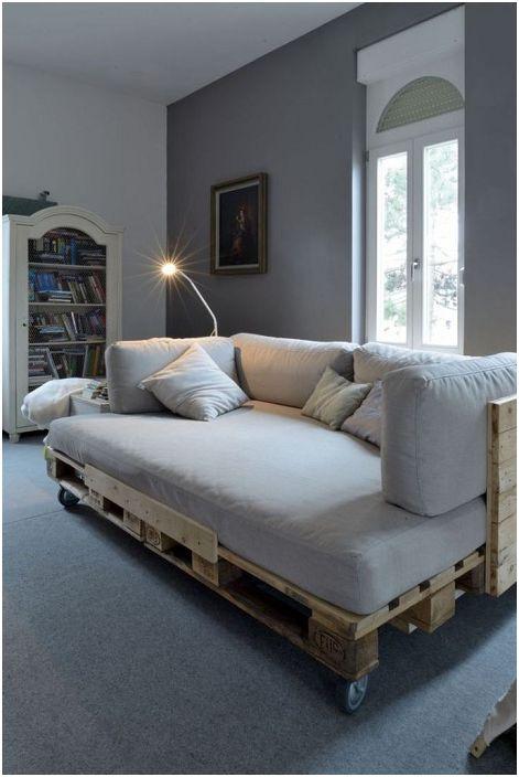 Можете да създадете удобно легло с палет и на минимални разходи.