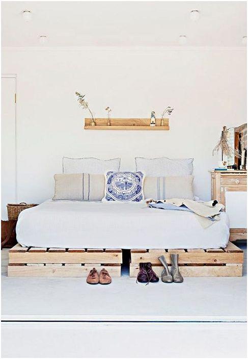 Таблата за легло може да излъчва сериозна, консервативна вибрация в една спалня.
