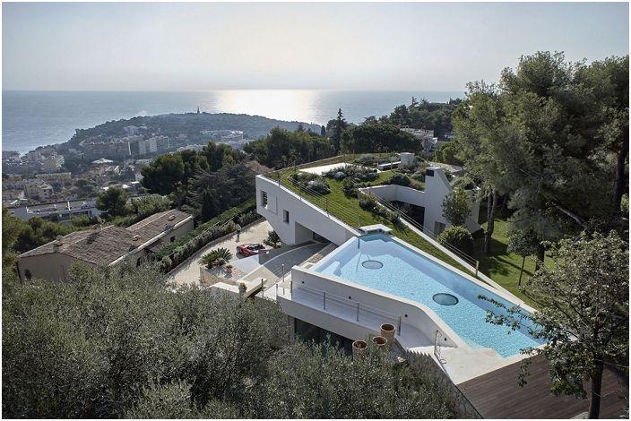Villa La Madone to wspaniała willa na wyspie Roquebrune-Cap-Martin.