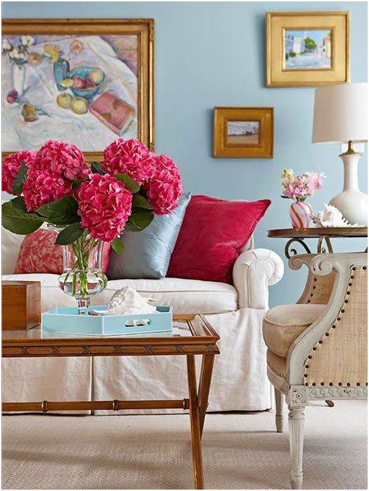 Värilliset paikat olohuoneessa