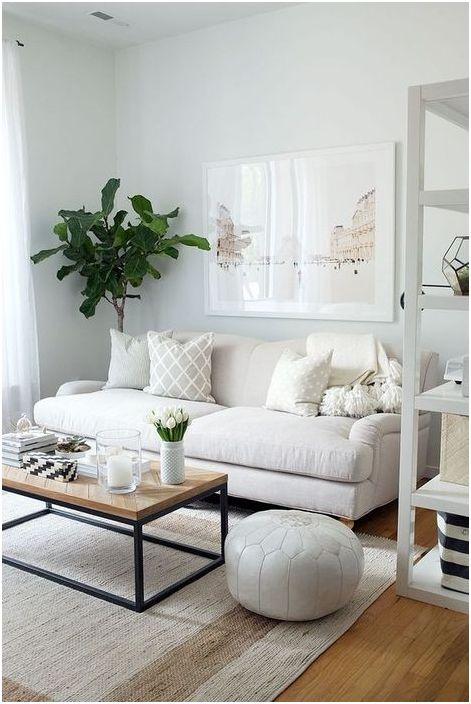 Pieni tyylikäs sohva