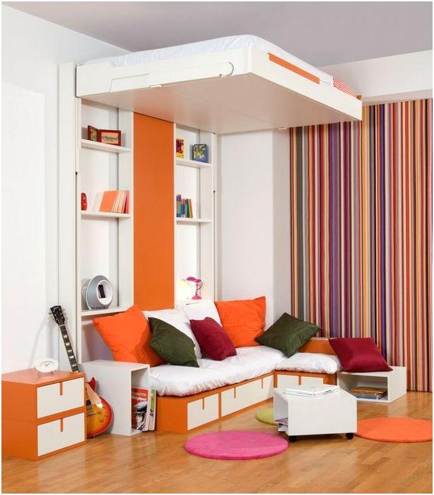 Łóżko pod sufitem