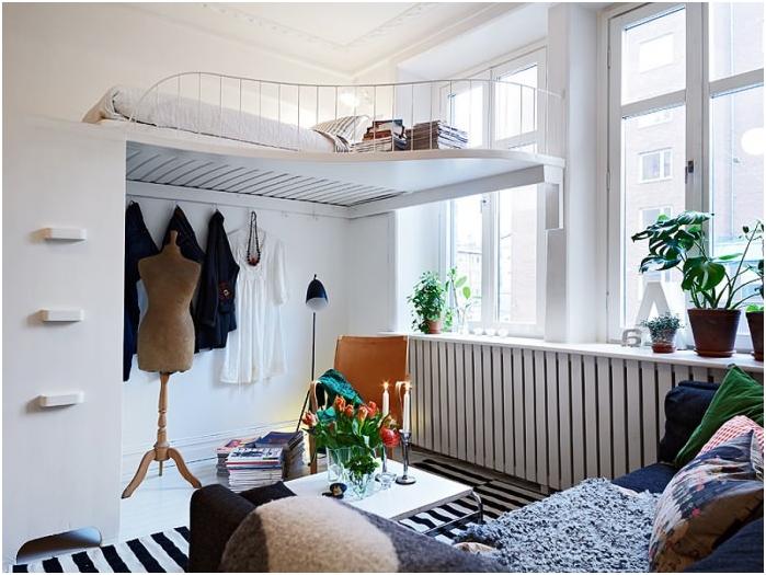потайная кровать под потолком