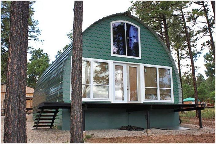 Арковата къща е алтернатива на скъпите сгради.