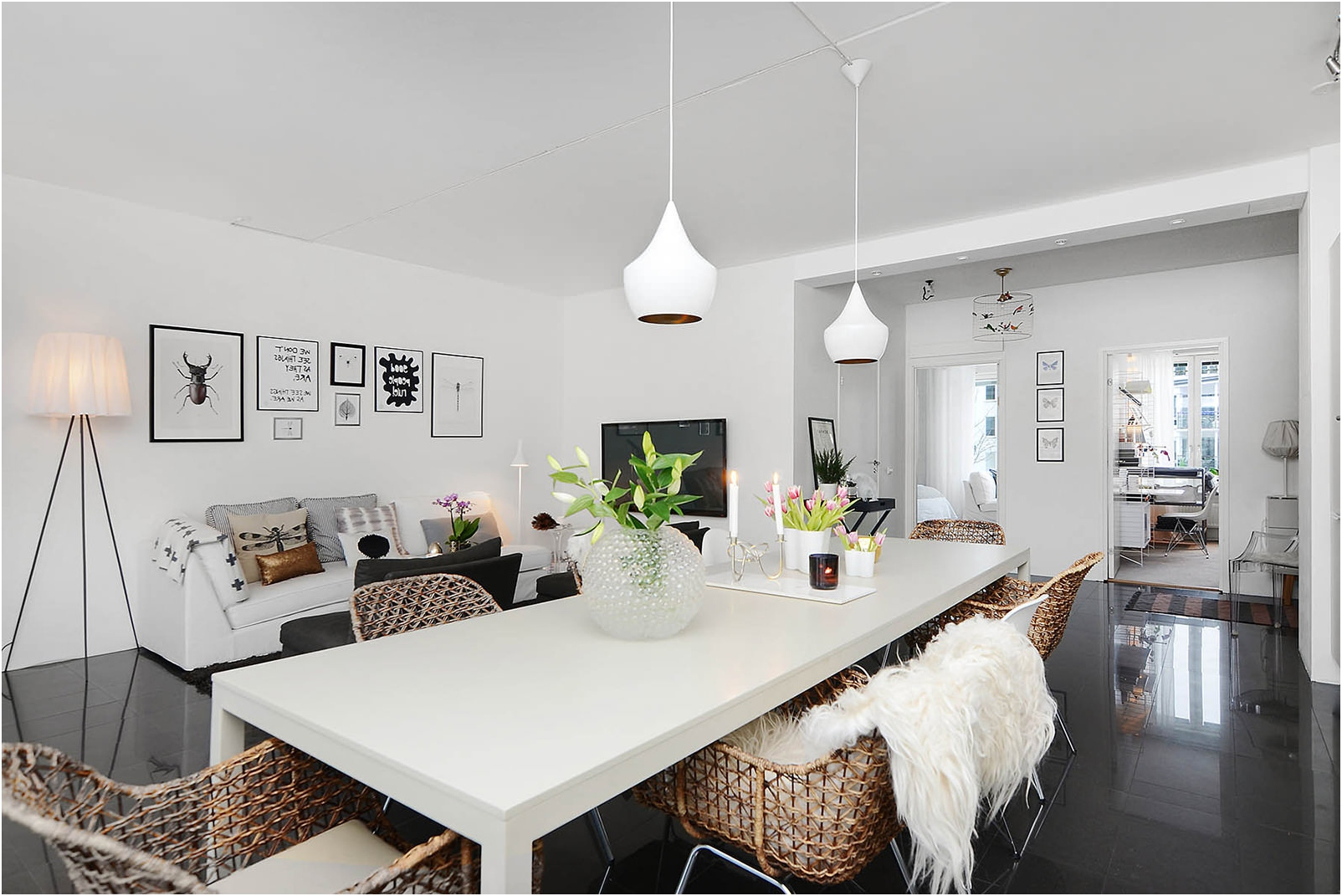 Бели стени в апартамента
