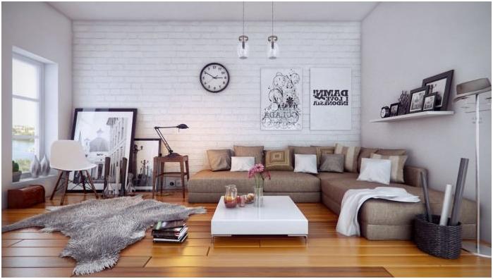 Fehér téglafal a nappali belsejében