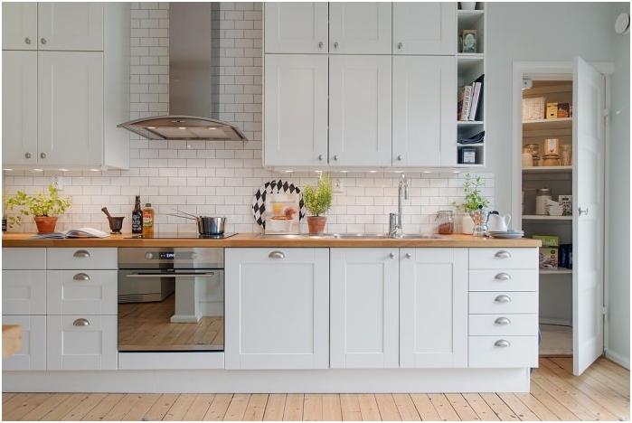 бяла тухла в интериора на кухнята