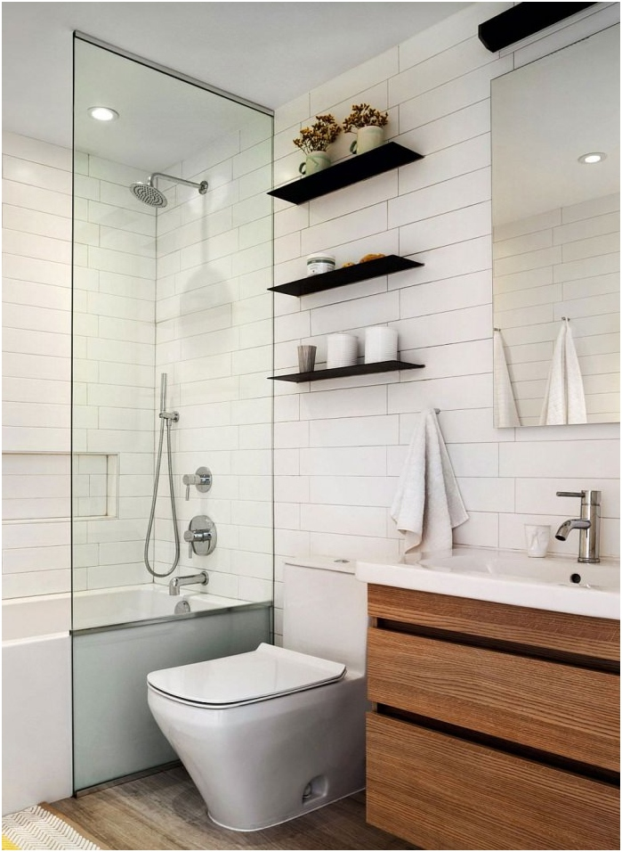 fehér tégla a fürdőszoba belsejében