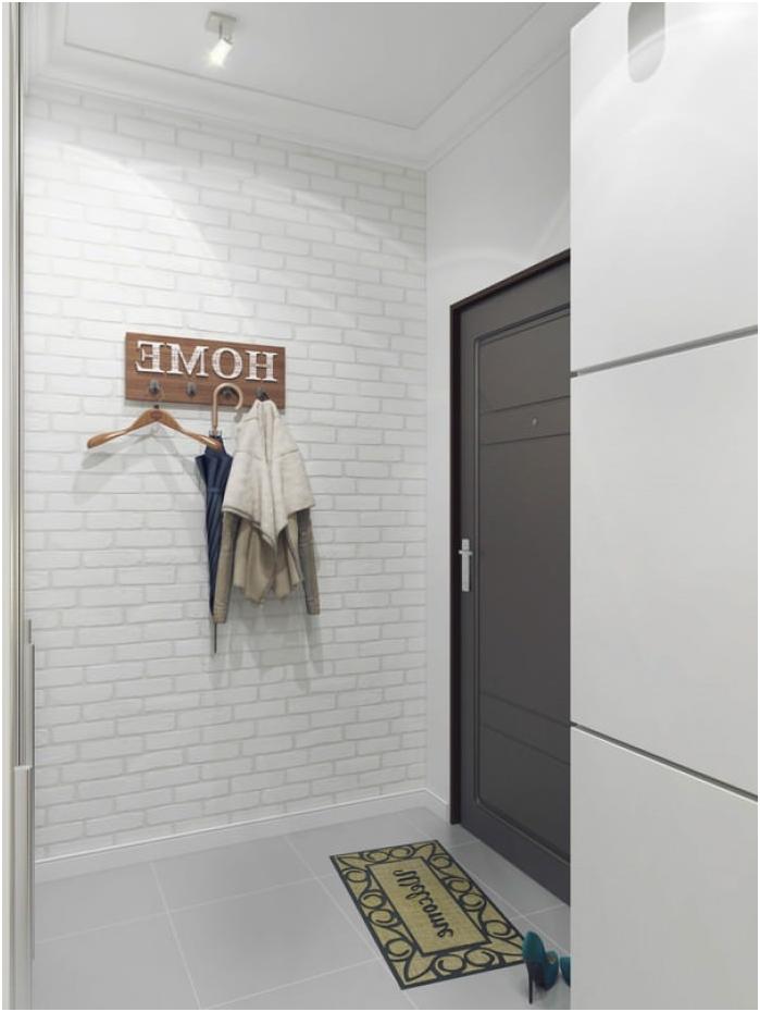 бяла тухла във вътрешността на коридора