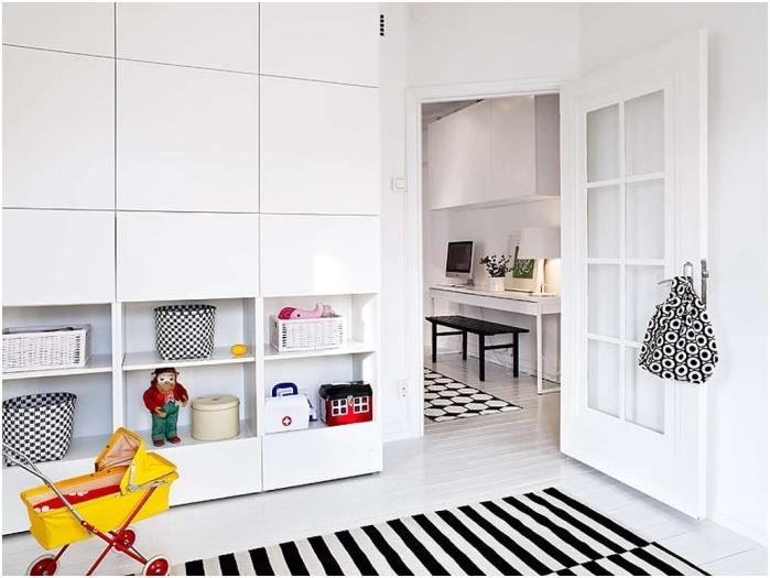 Стая с бял под