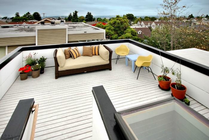 Jasny taras na dachu.